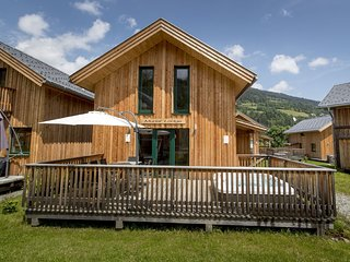 Modern Wooden Chalet in Sankt Georgen ob Murau with Hot Tub