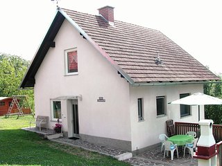 Serene Holiday Home in Paldau near Forest