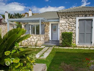 Lovely villa in complex of 2 separate villas, close to Laganas sandy beach