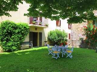 Cozy Holiday Home with Garden in Pergine Valdarno