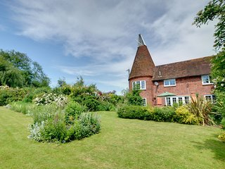 Traditional Holiday home in Woodchurch Kent with Parking