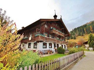 Vintage Apartment in Bramberg am Wildkogel near Ski Area