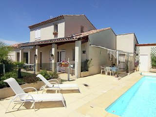 Charming Holiday Home In Oraison With Private Pool