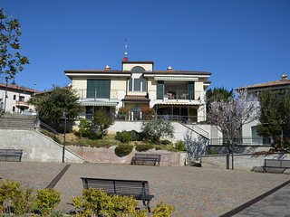 An apartment  on the first floor, in the hills with spectacular panoramic views.