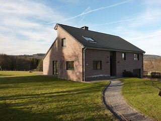 Spacious Holiday Home Near Forest in Habiemont