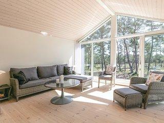 Beautiful home in Nexø w/ Sauna, WiFi and 3 Bedrooms