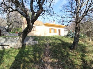 Authentic holiday House in quiet area, only 30m from beautiful pebble beach