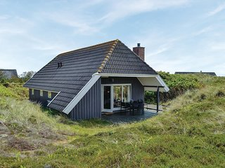 Stunning home in Hvide Sande w/ Sauna, 3 Bedrooms and WiFi