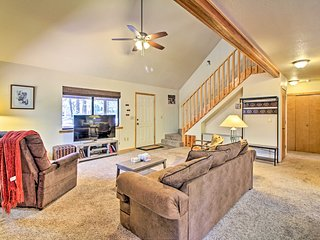 NEW! Pinetop Country Club Home w/ 2 Decks+Pvt Yard