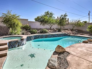 Desert Home w/ Pool < 5 Mi to London Bridge!