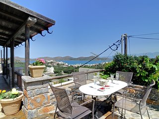 Countryside Holdaiy Home in Crete lovely Terrace