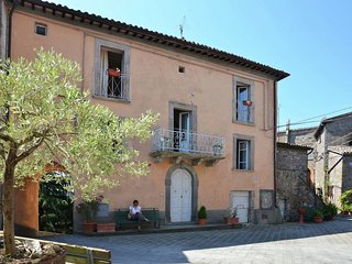 5 Person Villa in Sermugnano with Communal Swimming Pool