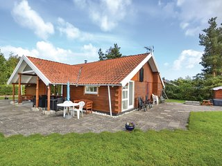 Awesome home in Ørsted w/ Sauna, WiFi and 4 Bedrooms