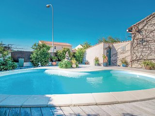 Awesome home in Sanary sur Mer w/ WiFi, Outdoor swimming pool and 4 Bedrooms (FC