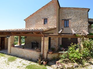 Pretty Country House With Terrace in Monte San Martino Italy