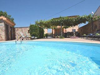 Charming villa 800m from the sea with private pool and BBQ, parking, WiFi, airco