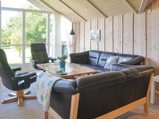 Amazing home in Hovborg w/ WiFi and 3 Bedrooms