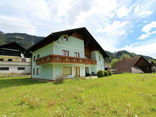 Spacious Mansion in Hermagor-Pressegger See with Garden
