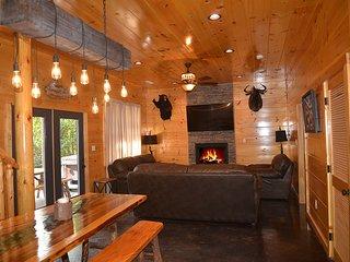Smoky Mountain Heaven I, 5 Master King Suites