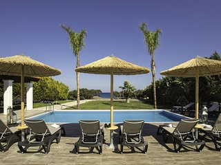 New beautiful luxurious villa directly on the beach, private pool, South Rhodes