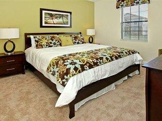 Budget Getaway - Champions Gate Resort - Beautiful Spacious 8 Beds 5 Baths