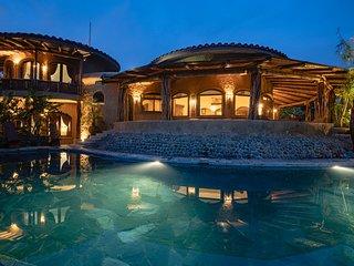 ★Avellanas beach Luxury w/ king beds + ocean views