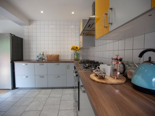 Cool open plan house close to City Centre