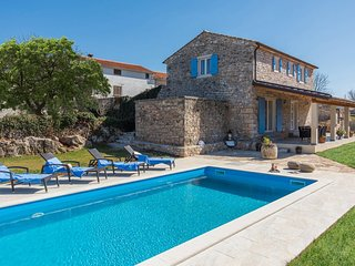 Beautiful Stone House Villa Irma