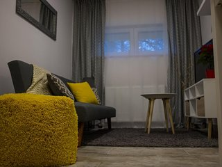 Simple and Cosy Modern Apartment Recek