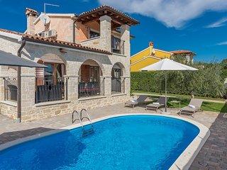Villa Evelyn mit eigenem Pool und Panoramablick