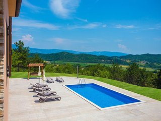 Looking for a Beautiful View and Privacy - Villa Mirna