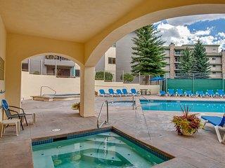 Ground level mountain condo w/semi-private gated patio & free ski shuttle!
