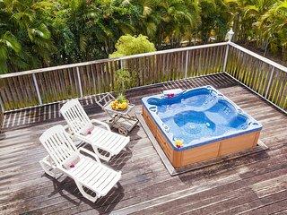Villa mitoyenne de 4 chambres, à 200m de la plage, jacuzzi privé (Grenadine Est)