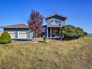 NEW! Bayfront Ocean Shores Home w/ Deck+Fire Pit!