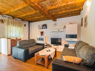 Apartment Bibi with Balcony