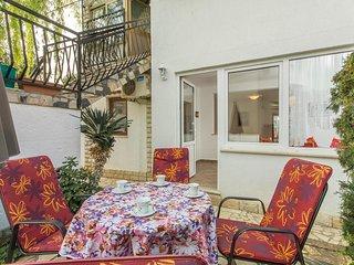 Apartment Complex Cupar in Porec / Simply furnished Studio Apartment Veronika