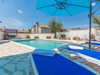 Casa Piero with Private Pool near Porec