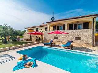 One-Bedroom Apartment Nono with Balcony and Pool
