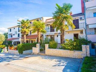 Apartment Complex  Vitas Funtana / Apartment Vitas Funtana III with Sea View