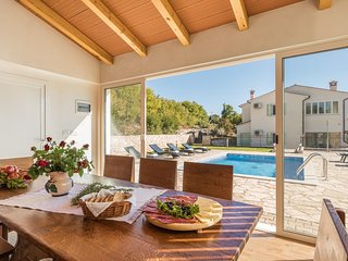 Beautiful Villa Mare with Sea View and Summer Kitchen
