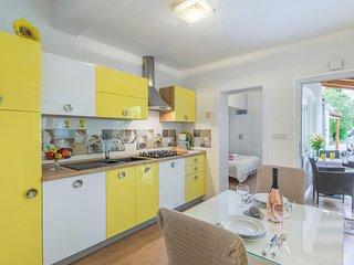 Apartment Complex Cupar in Porec / Modernly decorated apartment Stefania near