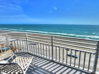 Wyndhams Ocean Walk Resort 2 Bedroom - Highest Condo with 3 Balconies !!