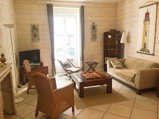 Appartement à Solidor à 30m de la plage. Charme et confort