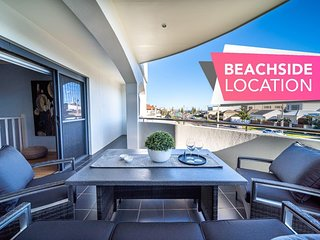 Higher Ground on Seaview-Superb Beach Lifestyle - Wifi - Metres from the beach