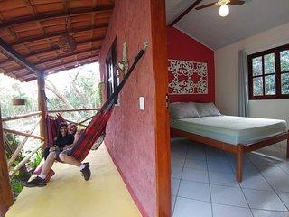 Hospedagem Donalu lugar tranquilo e aconchegante perto da Vila rodeado de jardin