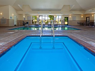 Suite Just Minutes from Napa Valley Wine Country | Outdoor Pool, Hot Tub + Gym