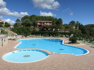 Podere Dottrina Apartment Sleeps 6 with Pool and Free WiFi - 5816017