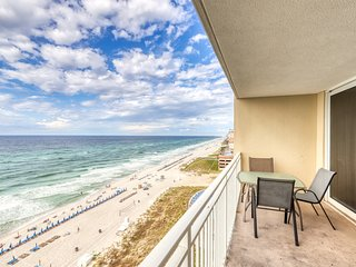 Beachfront views, pools, hot tub in a resort community - snowbirds welcome!