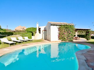 VILLA MADDALENA by KlabHouse-piscina giardino e vista