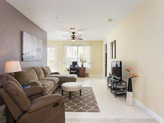 Enjoy Orlando With Us - Vista Cay Resort - Beautiful Spacious 4 Beds 2 Baths